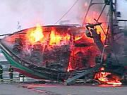 Bateau incendié en mai 2003
