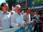 Gilles Duceppe, chef du BQ, entouré d'André Boisclair, chef du PQ, d'Henri Massé, président de la FTQ, et du député libéral Denis Coderre