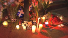 Hommage aux victimes : Des centaines de personne ont dénoncé l'utilisation de la violence