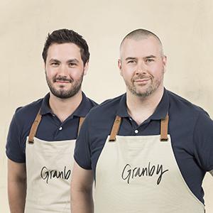 Les deux chefs représentant la ville de Granby